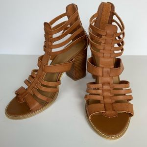 UO Ecote 8 Brown Leather Gladiator Chunky Heel
